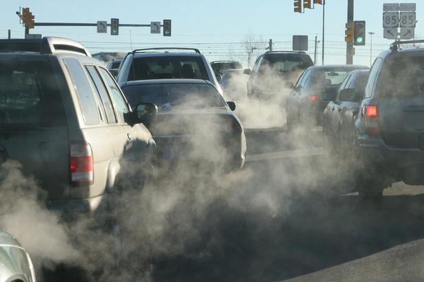 Greenpeace dénonce l'impact de l'automobile sur la planète