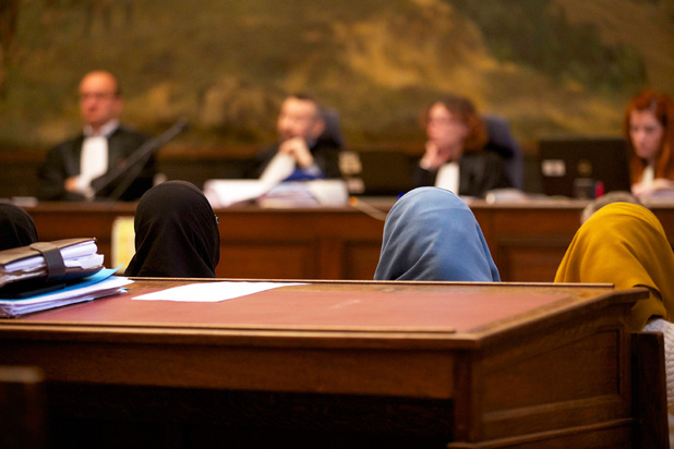 Hof van beroep: 'Verbod op hoofddoek gerechtvaardigd'