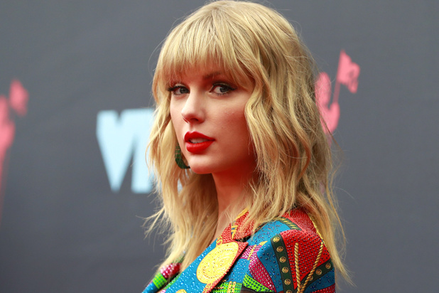 Star des réseaux sociaux, Taylor Swift fait campagne pour Joe Biden