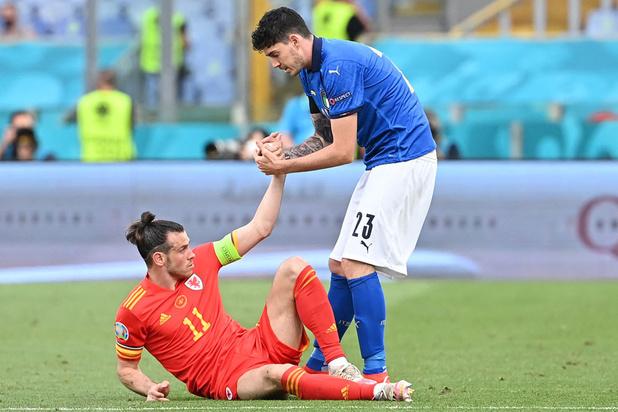 Wales vergezelt groepswinnaar Italië naar achtste finales EK voetbal