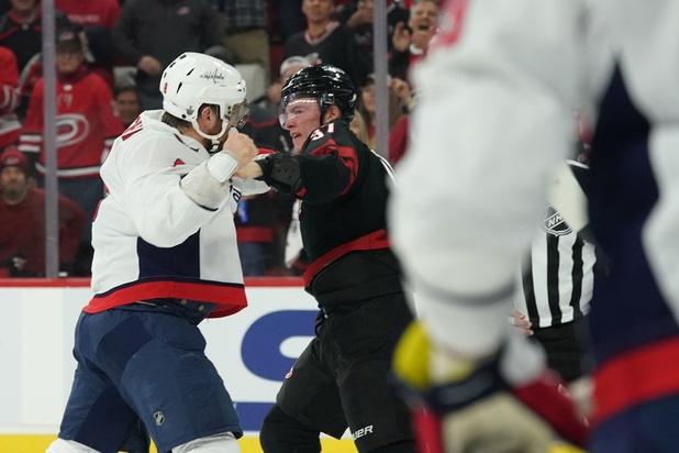 Zware clash brengt vechtcultuur in Amerikaans ijshockey opnieuw in opspraak