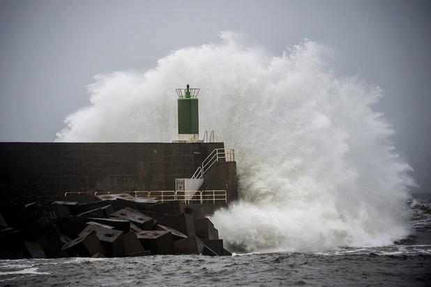 """France: 18 départements en vigilance orange, dont 15 menacés par la tempête """"Fabien"""""""