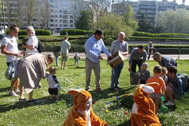 Meer dan 1.000 kinderen rapen eieren in Oostends Leopoldpark