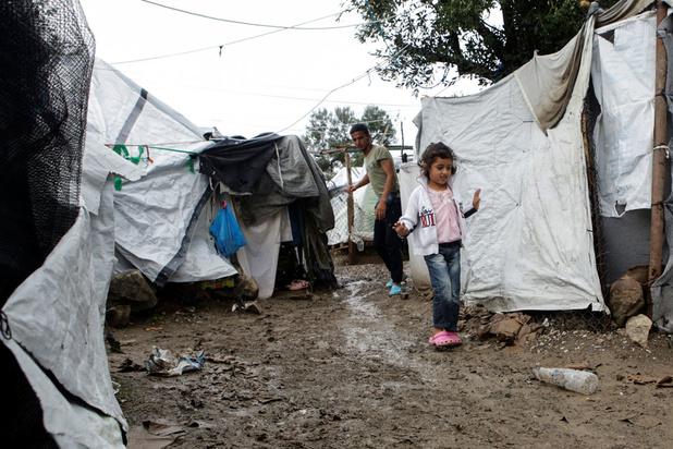 EU-Commissaris geschokt door afschuwelijke omstandigheden in Griekse migrantenkampen