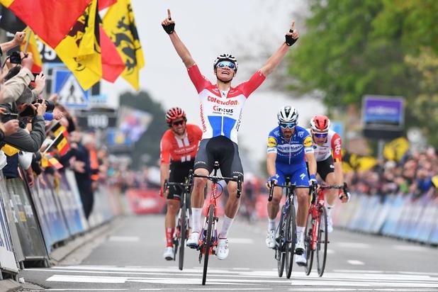 Mathieu van der Poel wint Brabantse Pijl