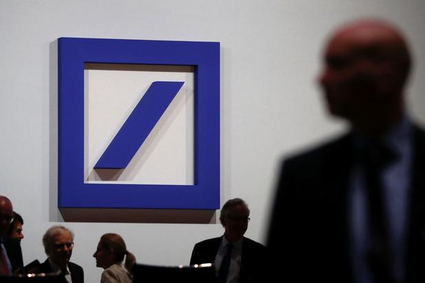Beleggers blijven aandeel Deutsche Bank dumpen