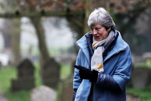 Brexit: May gaat dinsdag op bezoek bij Merkel en Macron