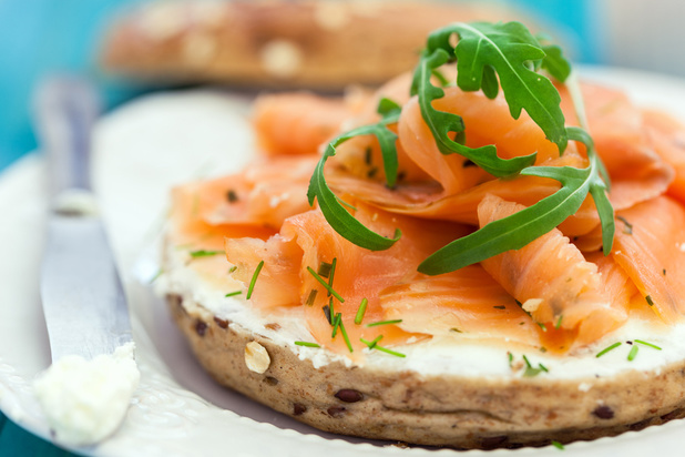 Saumon: les conditions d'élevage du saumon d'Ecosse critiquées