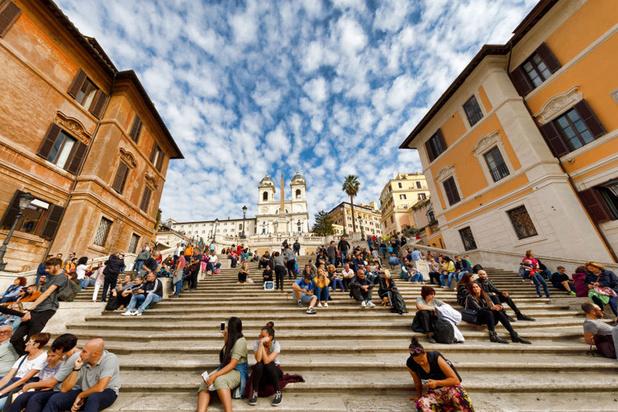 Rome: on ne peut plus s'assoir sur l'escalier de la Trinité des Monts