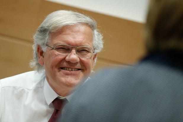 Stefaan De Clerck (67) stopt met politiek