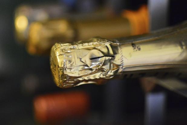 Le champagne suspend le marché des bouteilles sur lattes jusqu'au 8 juin