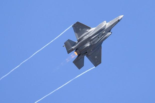 """Remplacement des F-16: """"L'armée a tout fait dans les règles"""""""