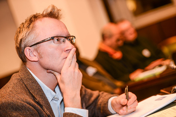 'De canon van de N-VA wordt allicht door Fernand Huts samengesteld, om nieuwkomers af te dreigen'