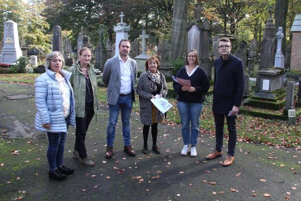 Vrijwilligers lezen voortaan gedicht voor op begrafenissen van eenzamen in Brugge