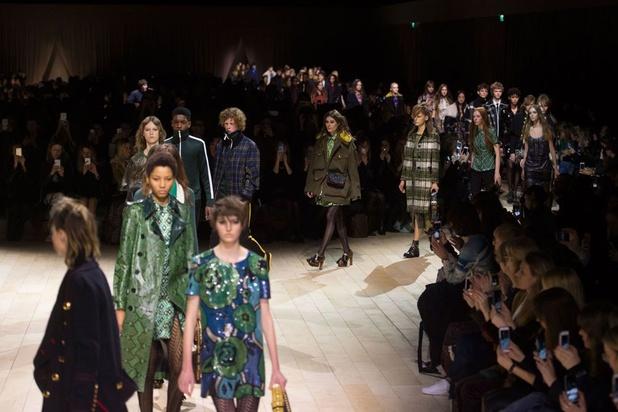 Retour des défilés physiques à la Fashion Week de Londres