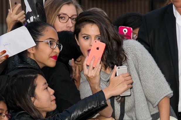 Selena Gomez, 150 millions de followers sur les réseaux sociaux... qu'elle juge néfastes pour sa génération