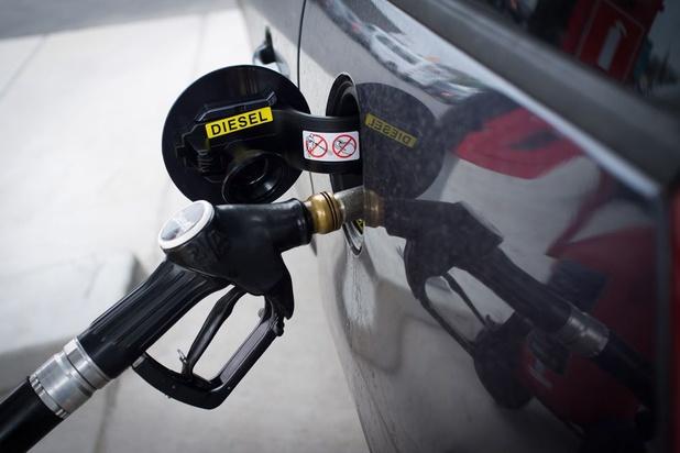 Le prix de l'essence baisse pour la première fois cette année