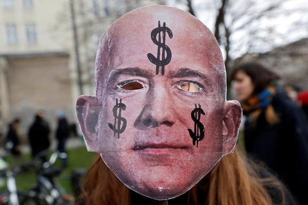 L'homme le plus riche du monde profite du record de l'action Amazon