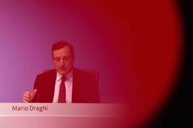 Face aux risques économiques, la BCE repousse l'heure de relever ses taux