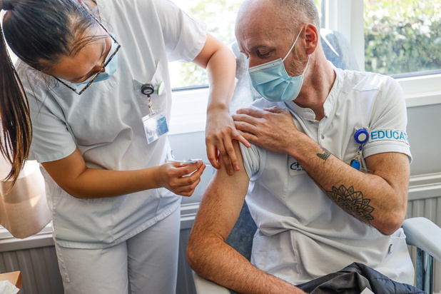 Covid: pas de modification de la stratégie de vaccination