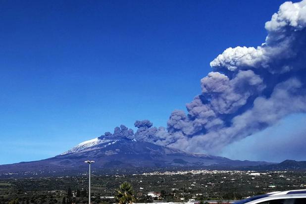 Italie: le plus haut volcan actif d'Europe s'est réveillé
