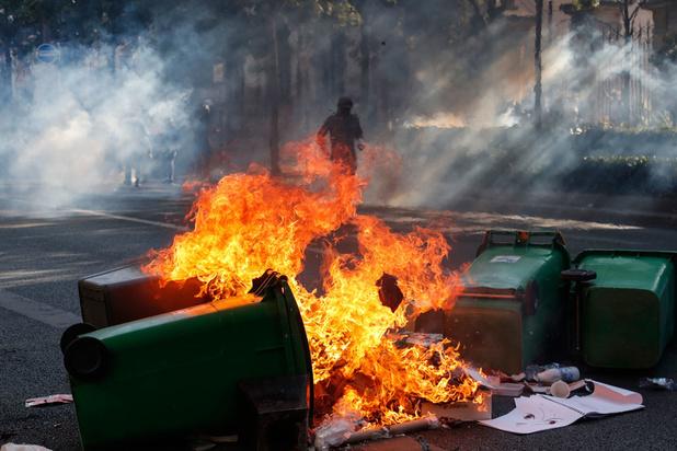 Paris: black blocs, violences et confusion