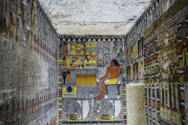 Archeologen ontdekken goed bewaarde 4.500 jaar oude grafkamer in Sakkara