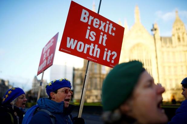 De Britse kiezer heeft de buik vol van het geklungel in Londen