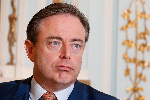 """Fermer les écoles, une """"incroyable erreur"""" pour Bart De Wever (N-VA)"""