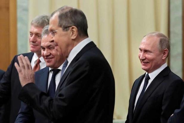 Militaires russes au Venezuela: le Kremlin demande à Trump de se mêler de ses affaires