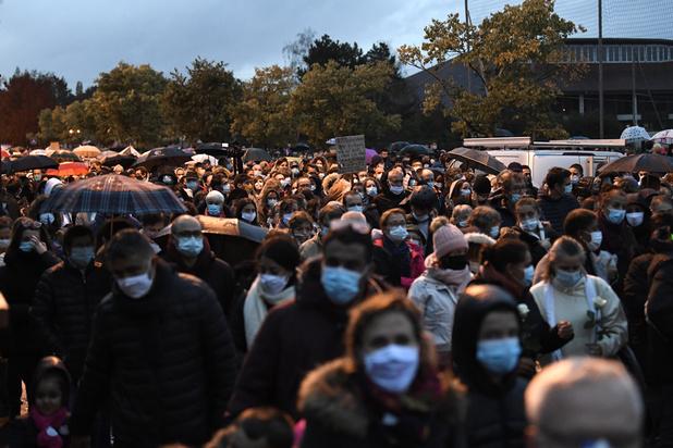Professeur assassiné en France: Macron promet des actes