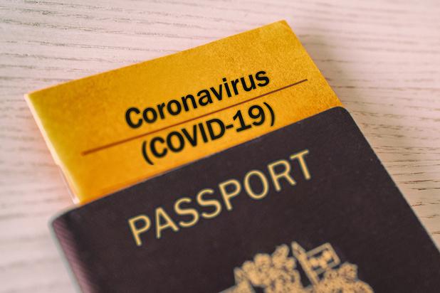 """La France """"réticente"""" sur un passeport vaccinal européen"""
