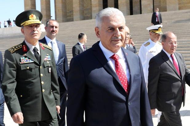 Turkse minister van Defensie op onverwacht bezoek in Libië