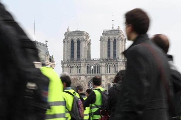 """Gilets jaunes"": manifestations interdites samedi autour de Notre-Dame"