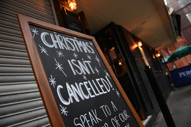 Avant le reconfinement, l'esprit de Noël fait défaut dans les magasins de Londres