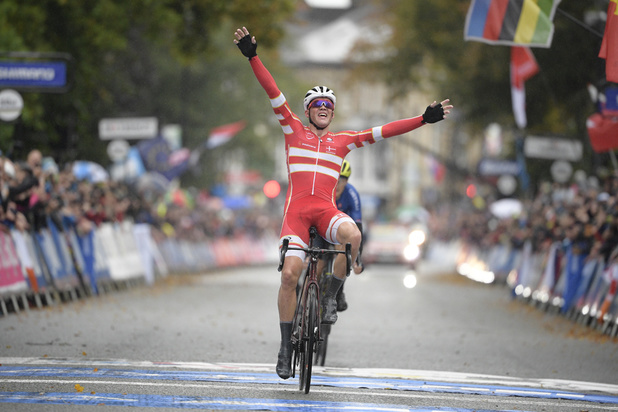 Le Danois Mads Pedersen surprend les favoris et devient champion du monde
