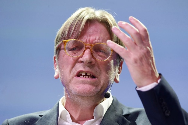 "Guy Verhofstadt accuse Boris Johnson de ""désinformation"""