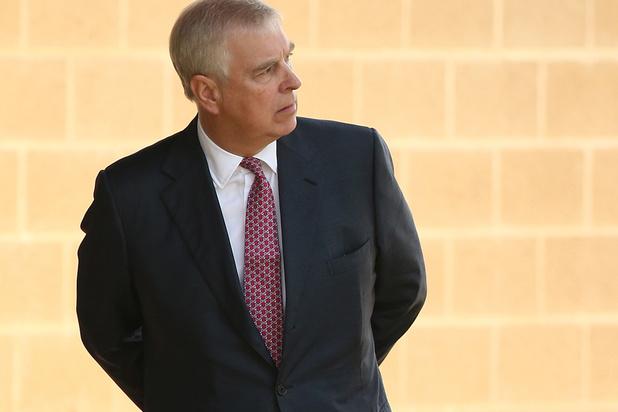 Suite à son interview désastreuse, université et entreprises lâchent le prince Andrew