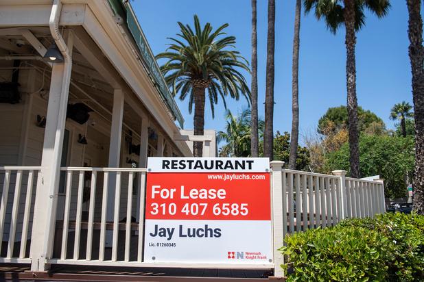 """La pandémie, une """"apocalypse"""" pour les restaurants aux Etats-Unis"""