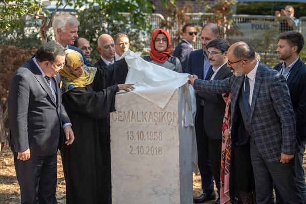 Une pierre commémorative pour Khashoggi devant le consulat saoudien à Istanbul