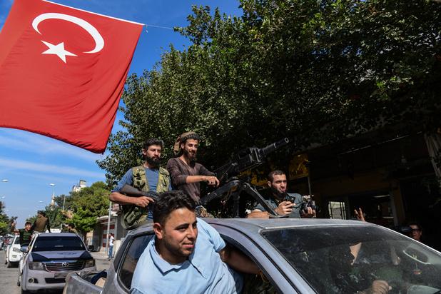 Syrie: la Turquie accuse les forces kurdes d'avoir délibérément relâché des détenus de l'EI
