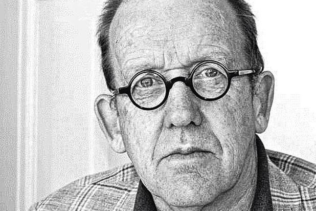 Kees 't Hart toont zich opnieuw een meester van de diepzinnige komische roman