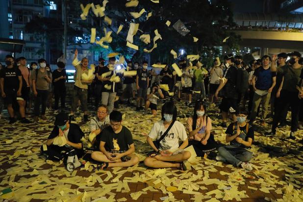 """Les manifestations vont pousser Hong Kong sur """"un chemin sans retour"""""""