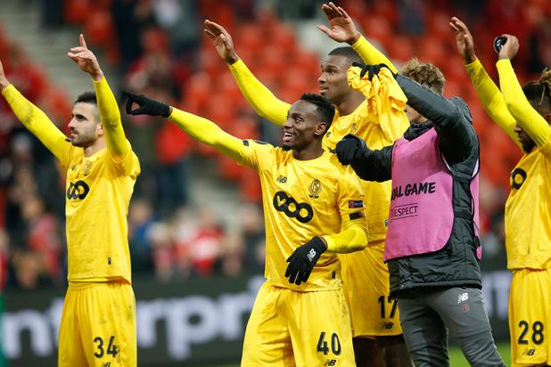 'Waarom voetbalclubs vergissingen van de scheidsrechter zonder morren moeten aanvaarden'