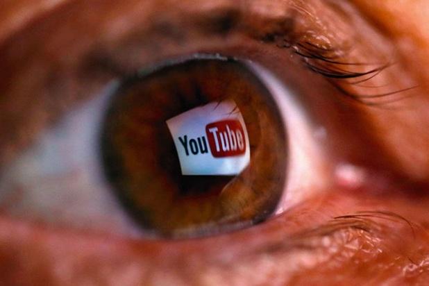 L'algorithme de YouTube vous envoie d'un contenu érotique vers de jeunes enfants à la piscine
