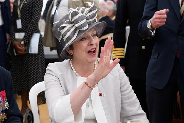 May dient ontslag in en geeft zo startschot voor zoektocht naar nieuwe premier