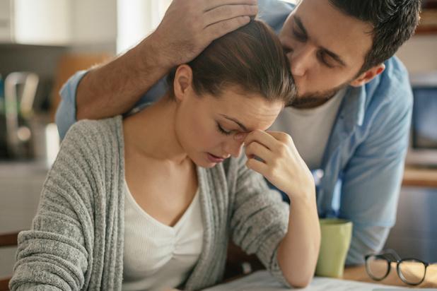 Cinq choses à faire pour aider un proche qui souffre de migraines