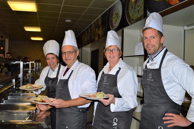 Directie Ter Groene Poorte kruipt zelf achter het fornuis tijdens Week van de Smaak