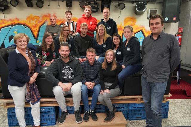 Jeugdraad van Meulebeke zit in het nieuw - Onderwijs & jeugd - Krant van Westvlaanderen