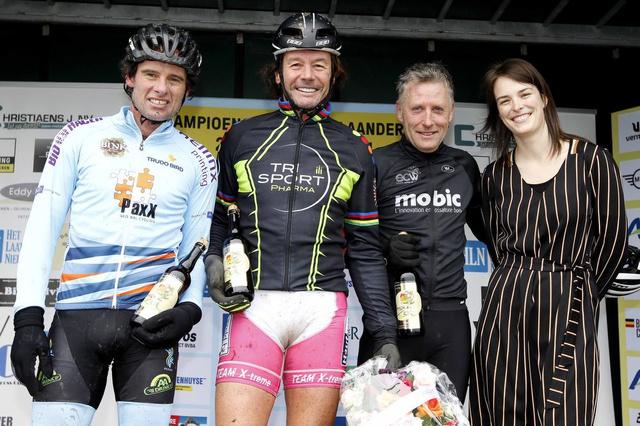 Veldrijden in Lichtervelde - Wielrennen - Krant van Westvlaanderen